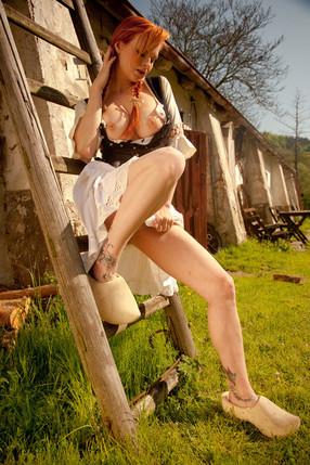 Tarra White