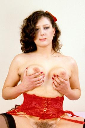 Mina Houghe