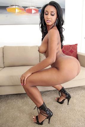 Adrianna Knight