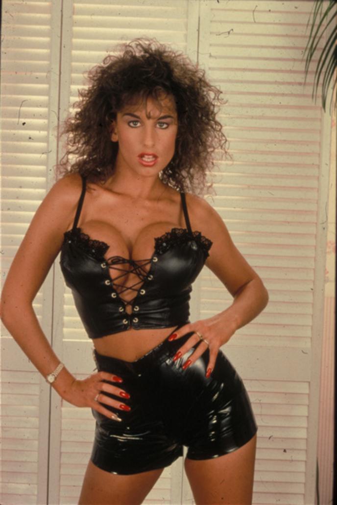Sahra young porno