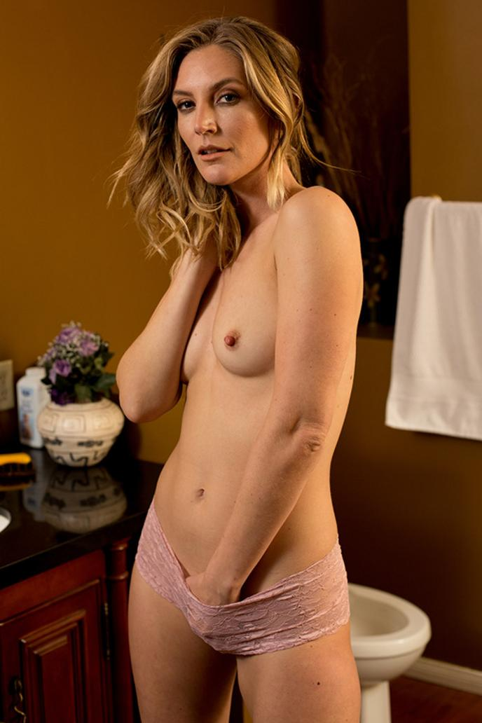 Mature naked girl picture