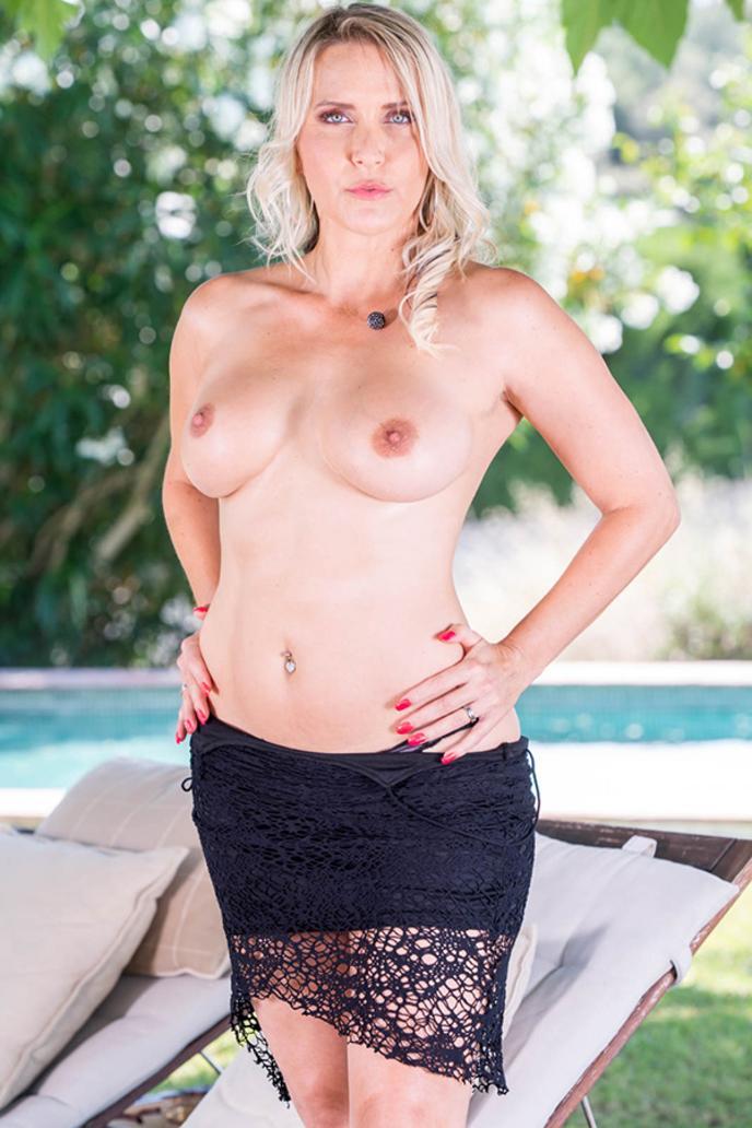 julia pink porn