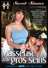 La masseuse a de gros seins