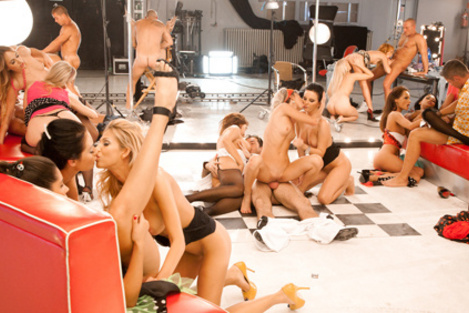 Image bande-annonce de Maximum Orgy, spécial pin-up