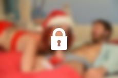 Voir la bande annonce du film Les gros seins de la Mère Noël
