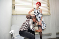 Foto Nr. 1, Szene Nr. 1 - Secrets of a washroom attendant