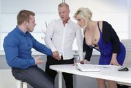 Bisexuelles Meeting im Büro Vol.2