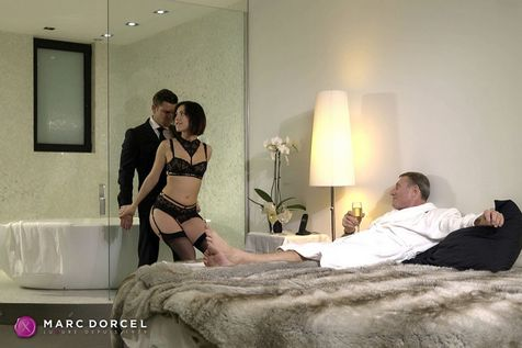 Luxure - gehorsame ehefrauen