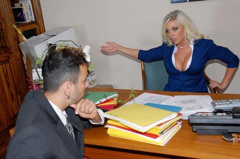 Les nymphos du bureau