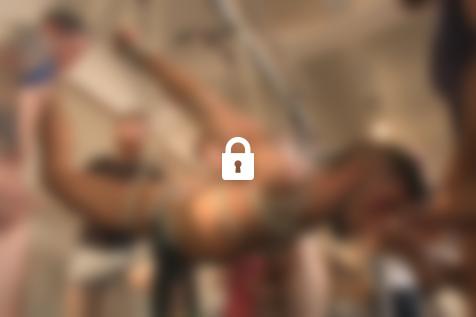 Bound in Public : la salle de gym