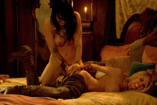 Pirates xxx lesbian scene — photo 3