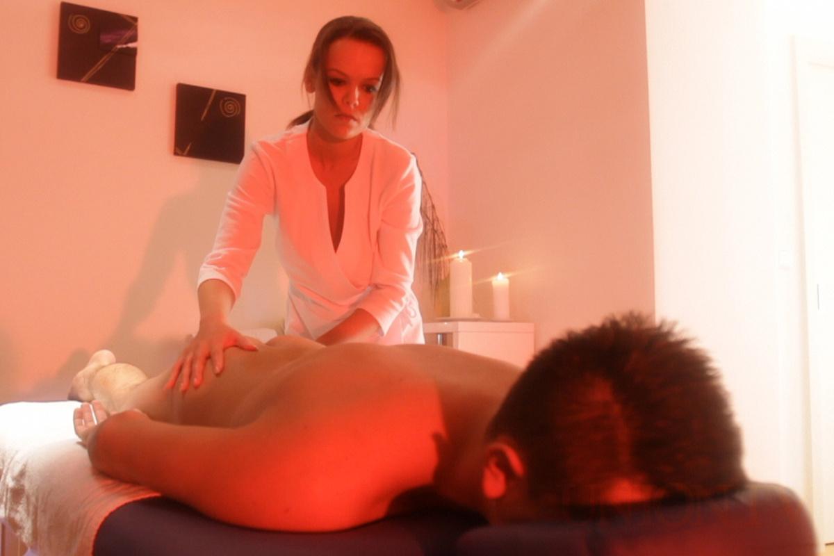 Massage salons porno