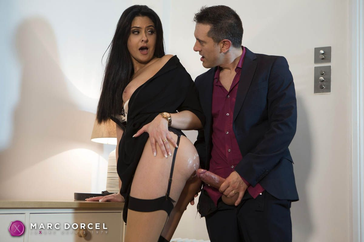 40 years old, my wife with no panties, porn movie in vod xxx