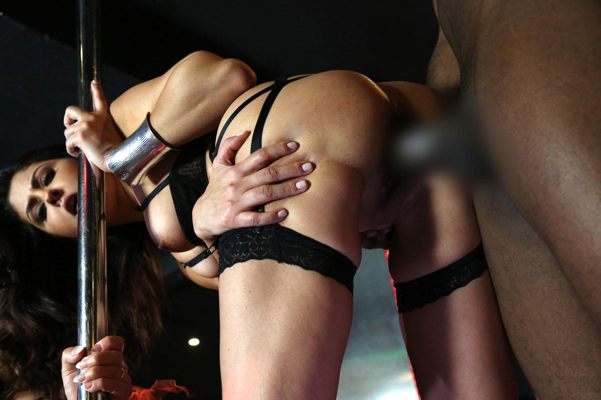 Gang bang porn strip