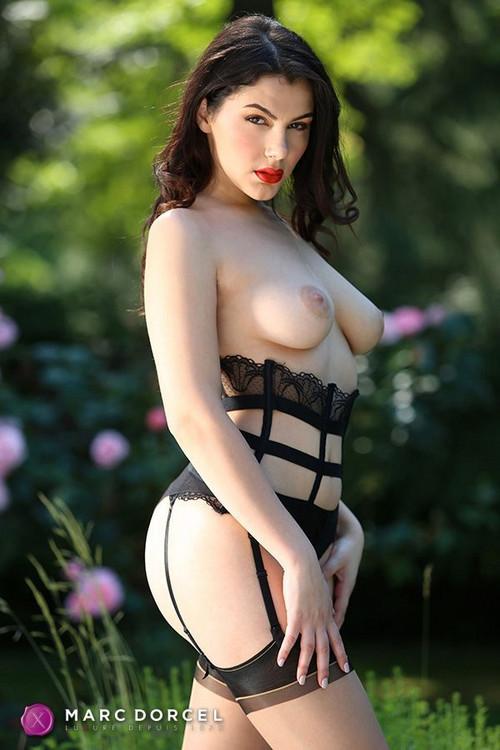 Valentina nappi порно смотреть