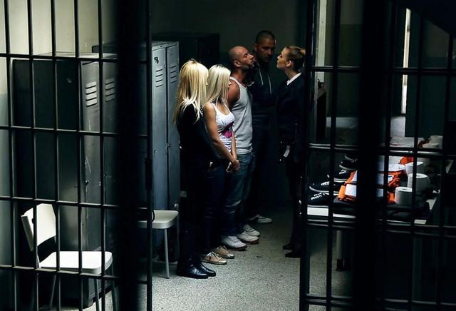 Prison Trailer ansehen
