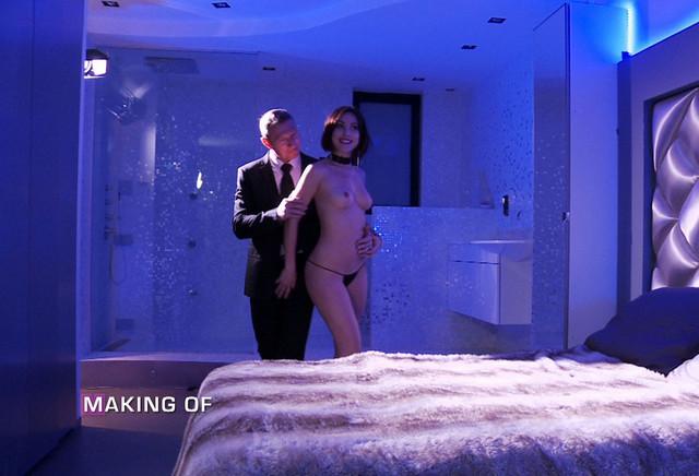 Making of - Inès, escort deluxe Trailer ansehen