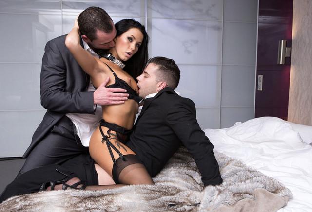 Voir la bande annonce du film Luxure - L'épouse parfaite