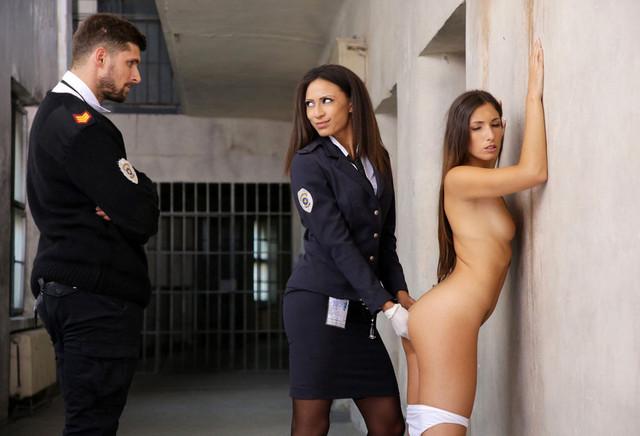 Voir la bande annonce du film La prisonnière