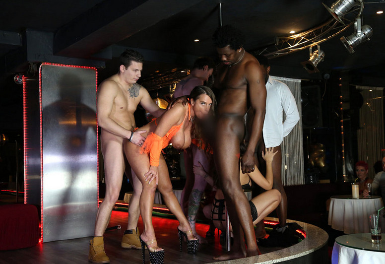 Ghetto Porn Local Nyc Stripper Leaves The Club To Get Fucked By Black Guy Xxx Images